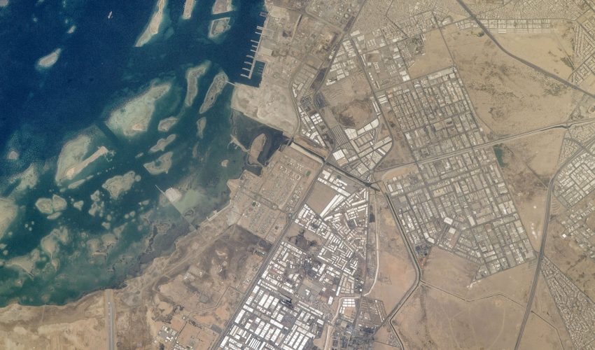 Today's Image of the Day comes courtesy of the NASA Earth Observatory and features a look at the city of Jeddah, Saudi Arabia.
