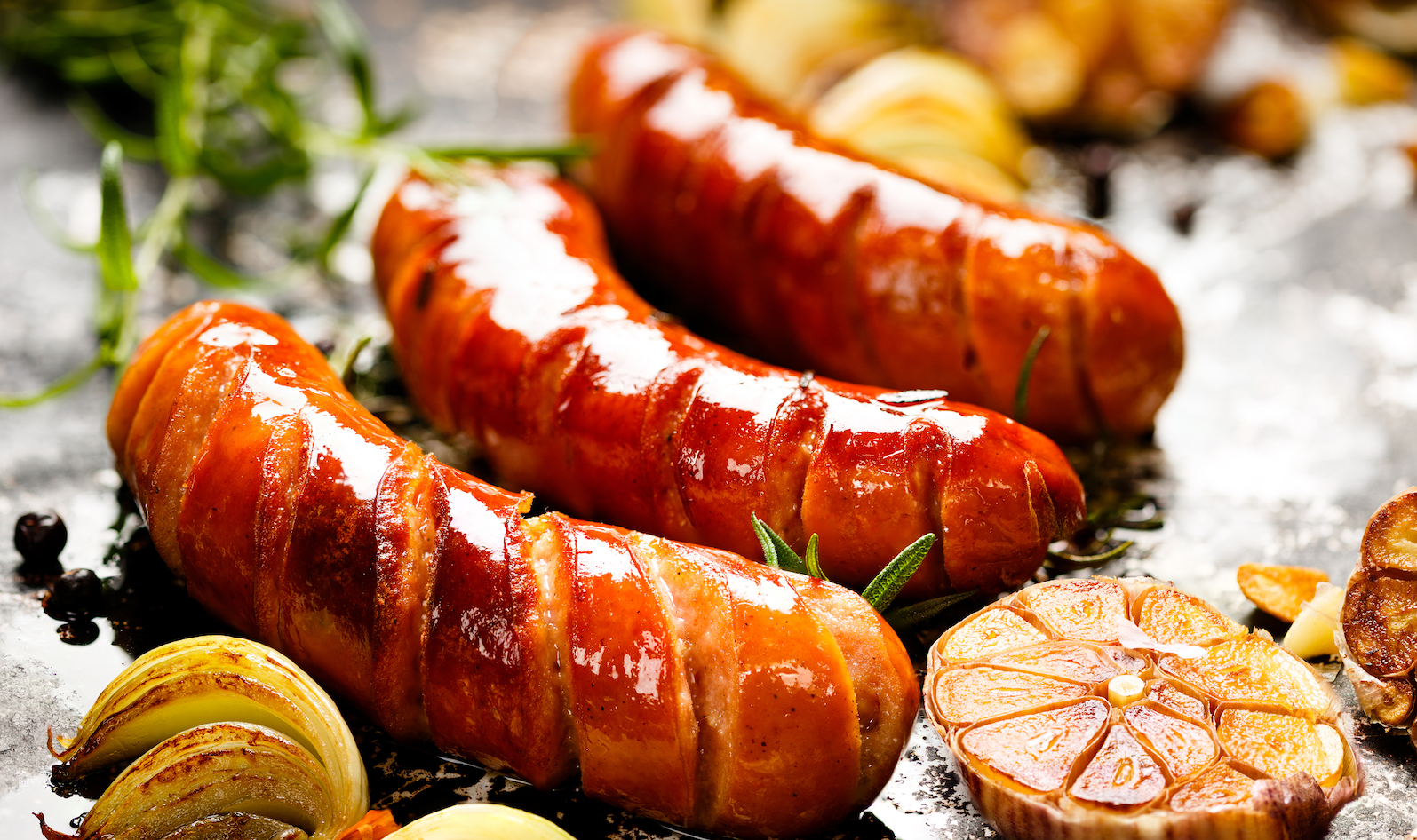 According to an Italian research team, allowing the sausage to ferment spontaneously produces a superior flavor.