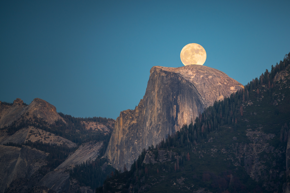 This year's only supermoon rises tonight, but two more are ahead for January, including one during a total lunar eclipse.