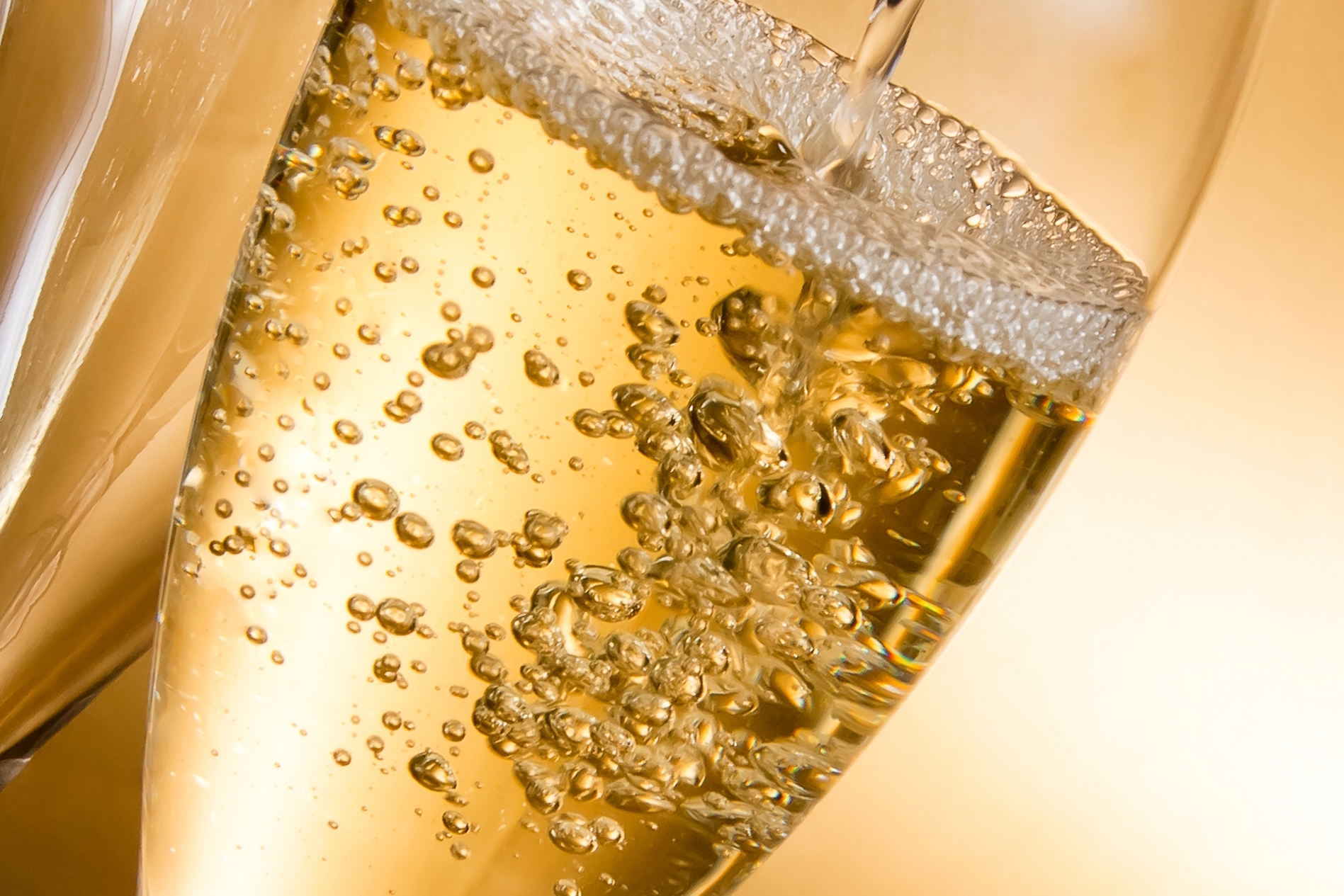 Researchers set out to see if the acoustics of champagne bubbles might play a key role in determining how expensive the bottle should be.