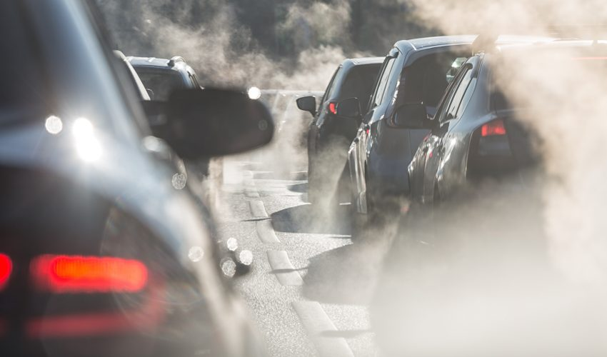 Exposure to pollution generated by vehicles is associated with an increased risk of low birth weight babies born at full term.
