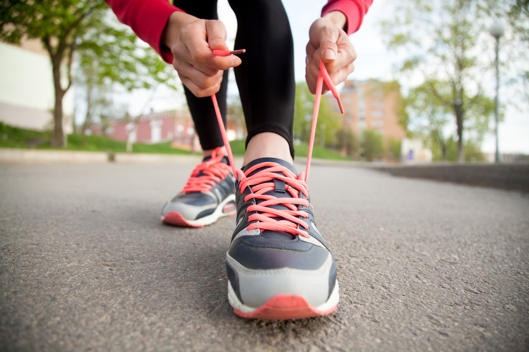 Scientists at University California Berkeley have finally explained the reason why shoelaces come untied so often.