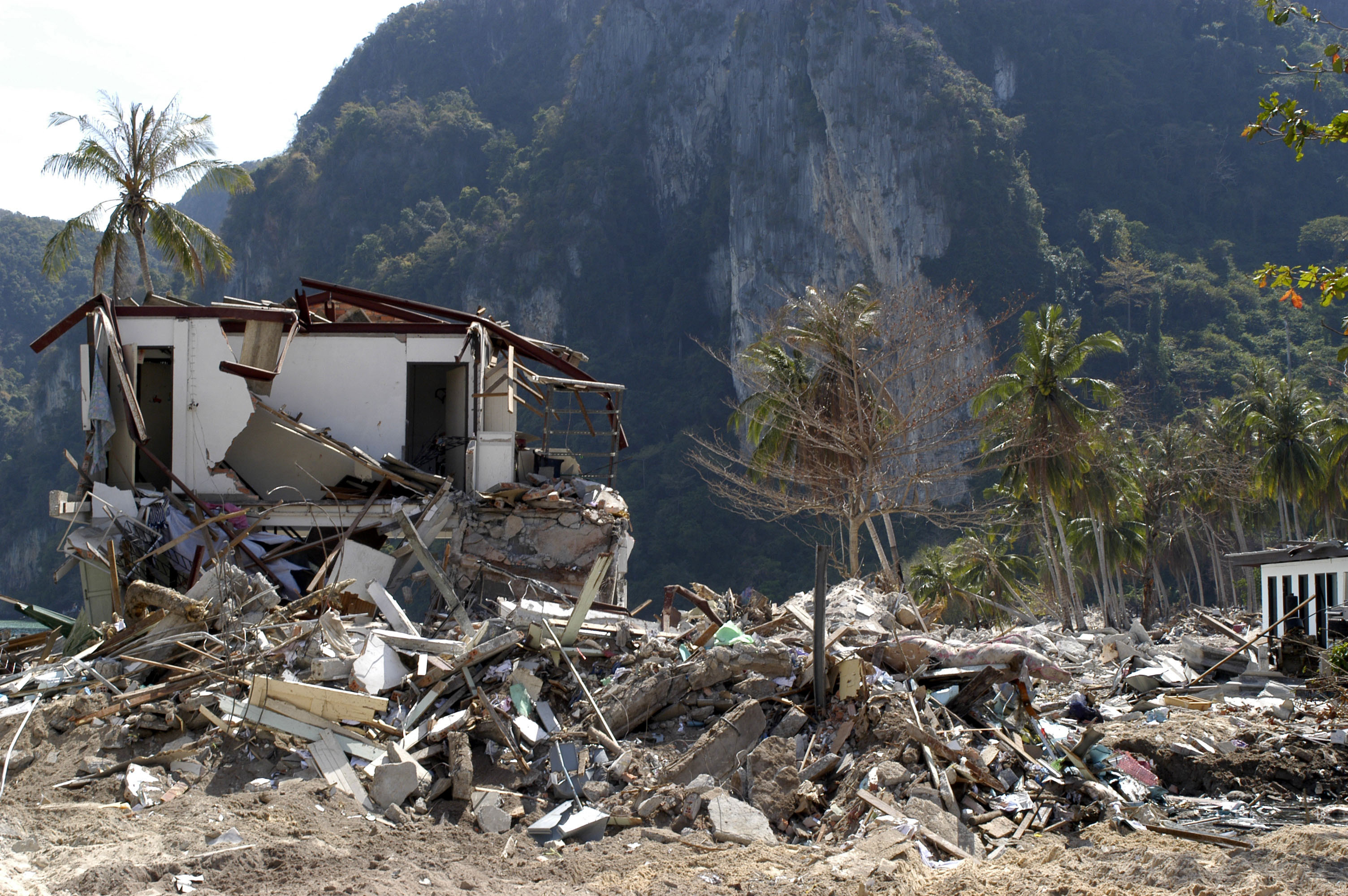 A new study revealed that reconstruction after the 2004 tsunami inadvertently caused socioeconomic segregation in an Indonesian province.