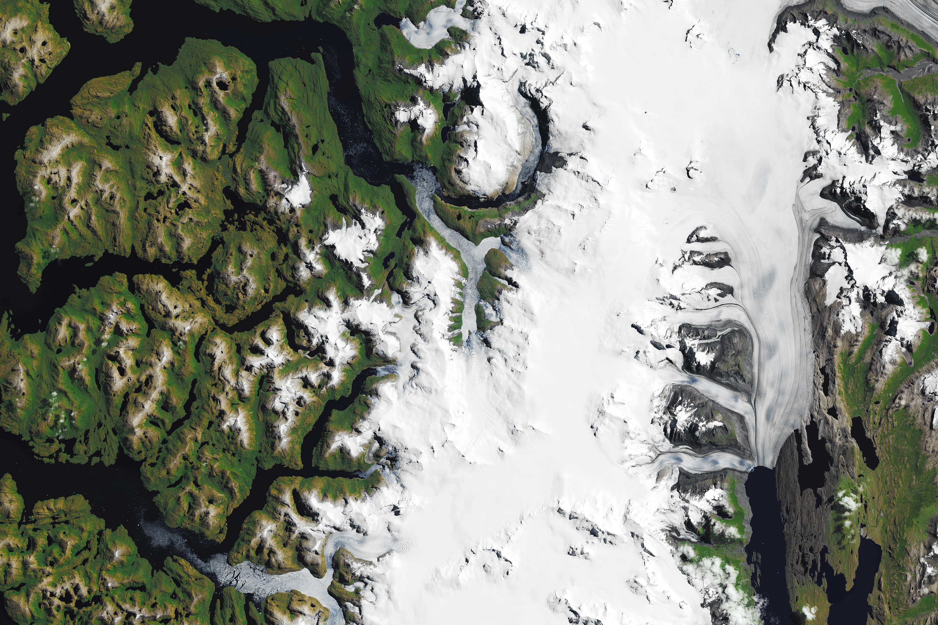 Today's Image of the Day features a look at the HPS-12 glacier, which stretches 13,000 square miles across Chile and Argentina.