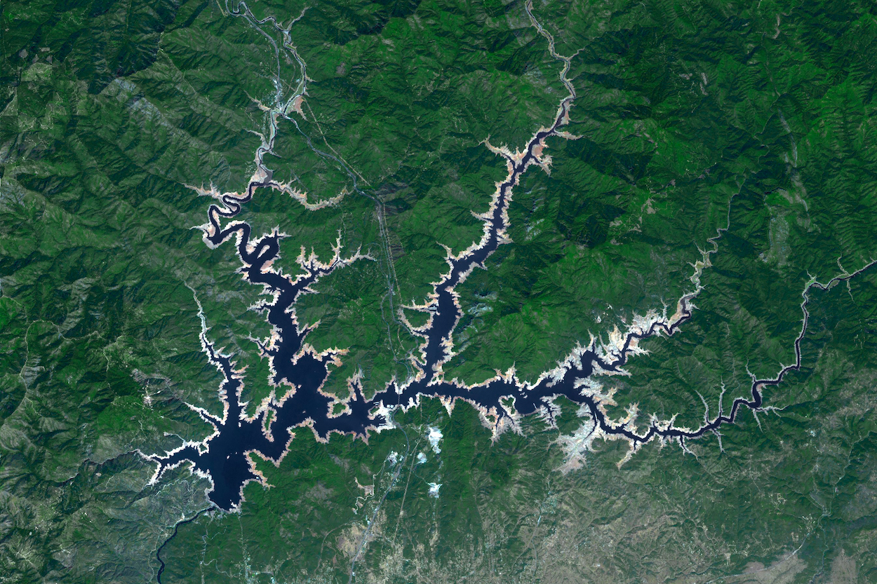 Today's Image of the Day comes from the NASA Earth Observatory and features a look at Shasta Lake in northern California.