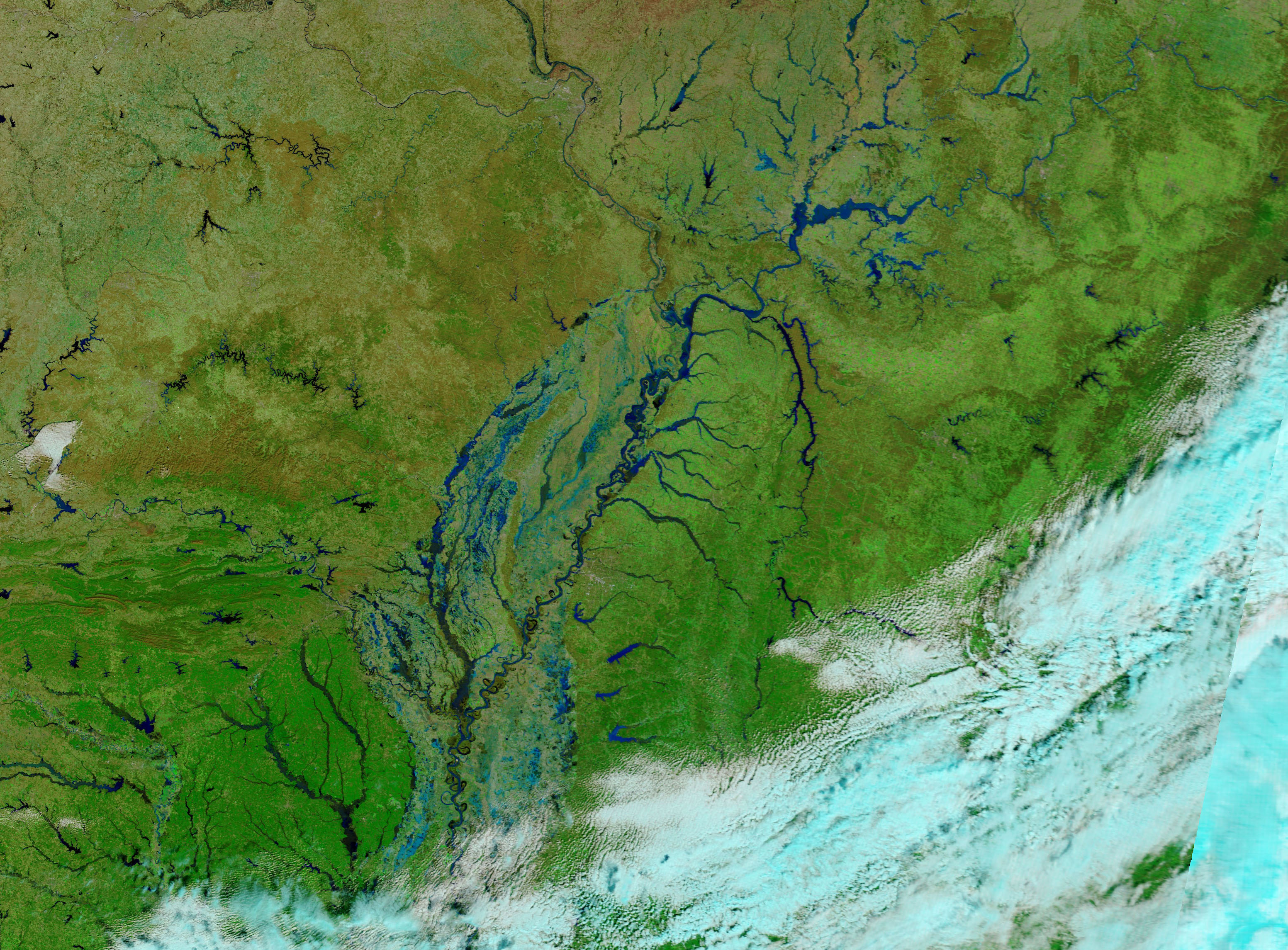 Today's Image of the Day comes from the NASA Earth Observatory and features a look at river flooding in the central and southern United States.