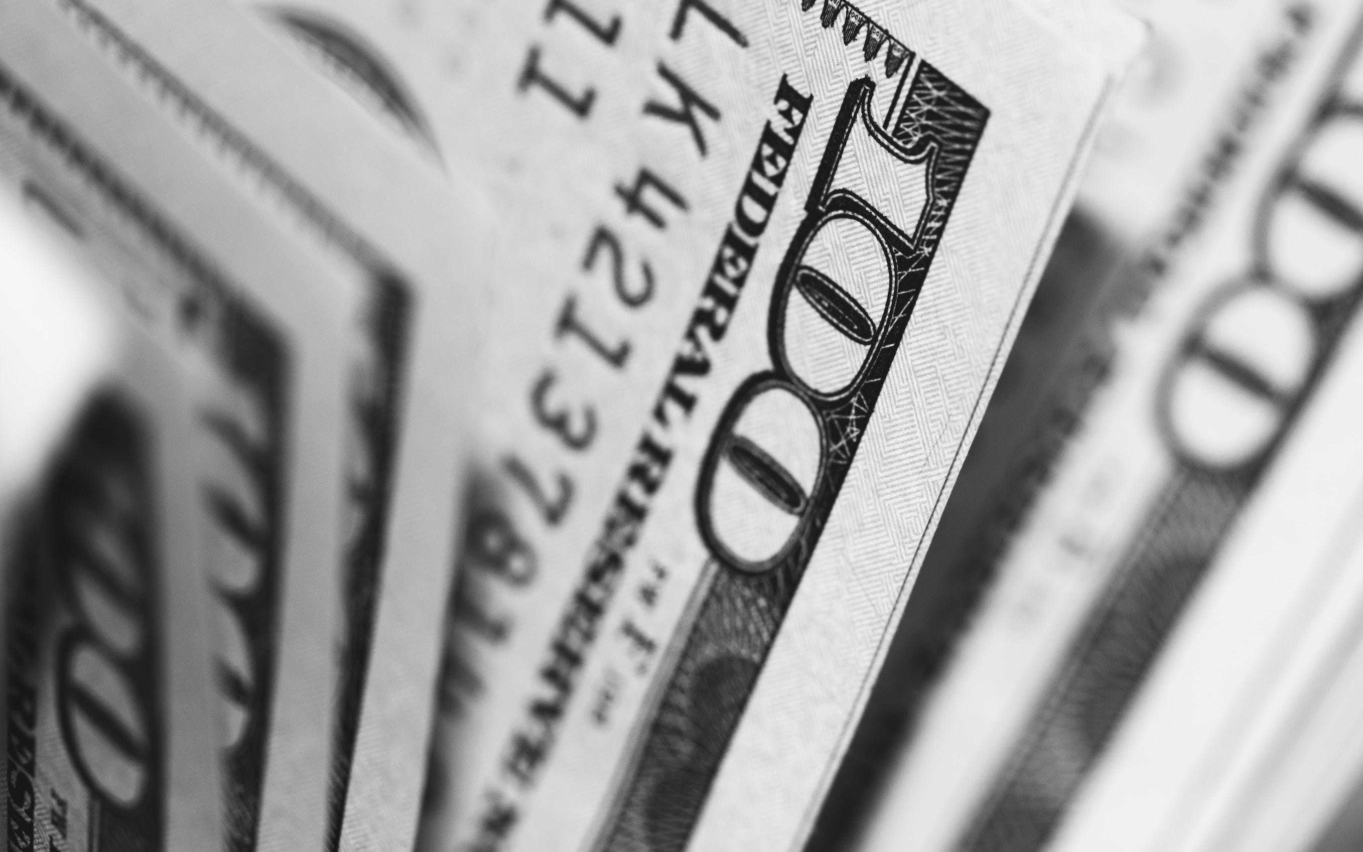 Researchers have found a link between the sudden loss of wealth and an increased risk of death among middle-aged and older adults in the United States.