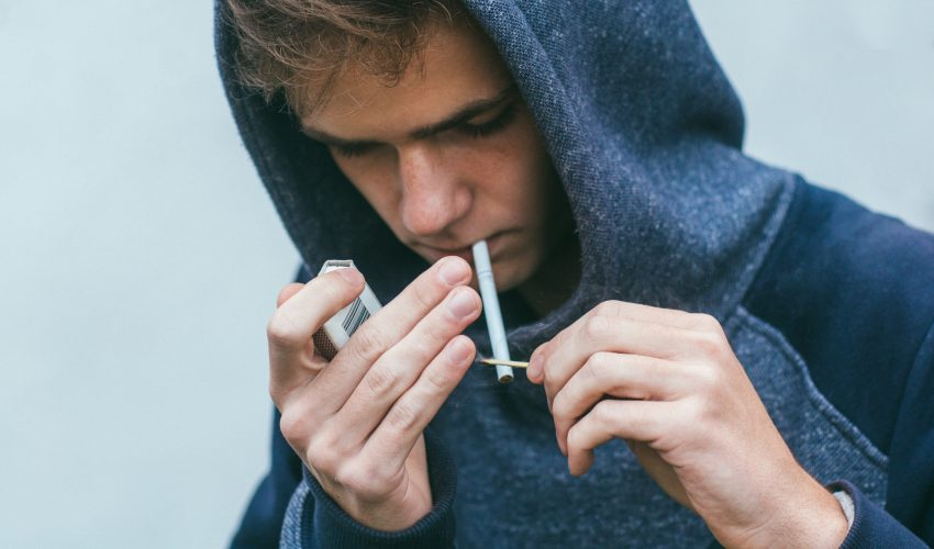 Experts are reporting that young men who smoke are more likely to have a stroke, and this risk increases with every cigarette.