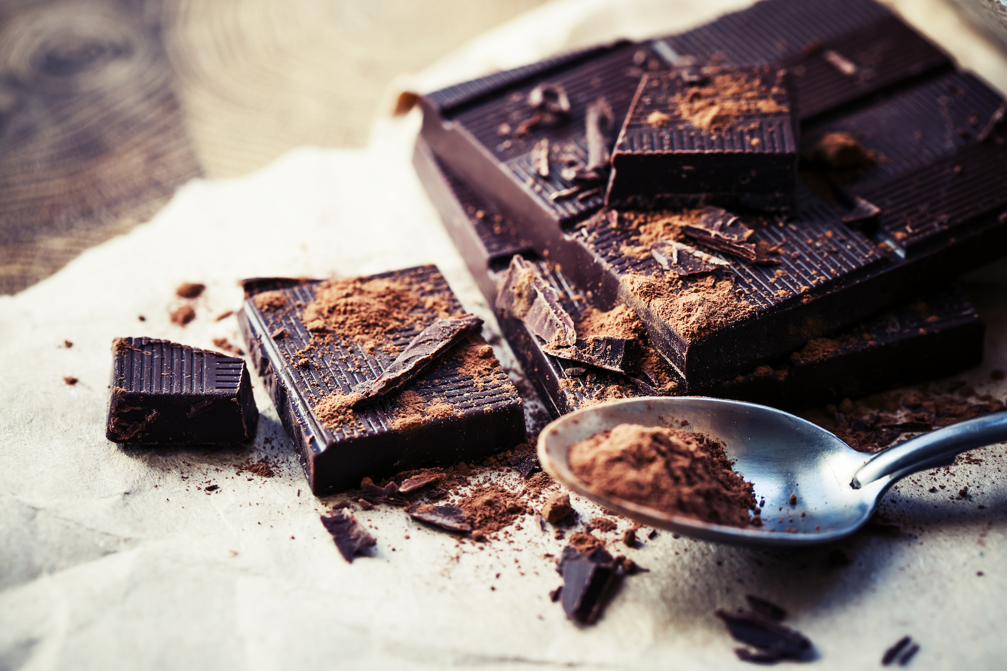 The findings of two separate studies have demonstrated that eating dark chocolate with a high concentration of cacao can reduce stress and inflammation while boosting mood, memory, immunity, and brain power.