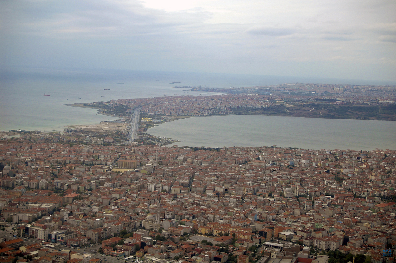 Experts have discovered that many small earthquakes in Istanbul in 2011 were the result of rising natural gas, and not the result of tectonic force.