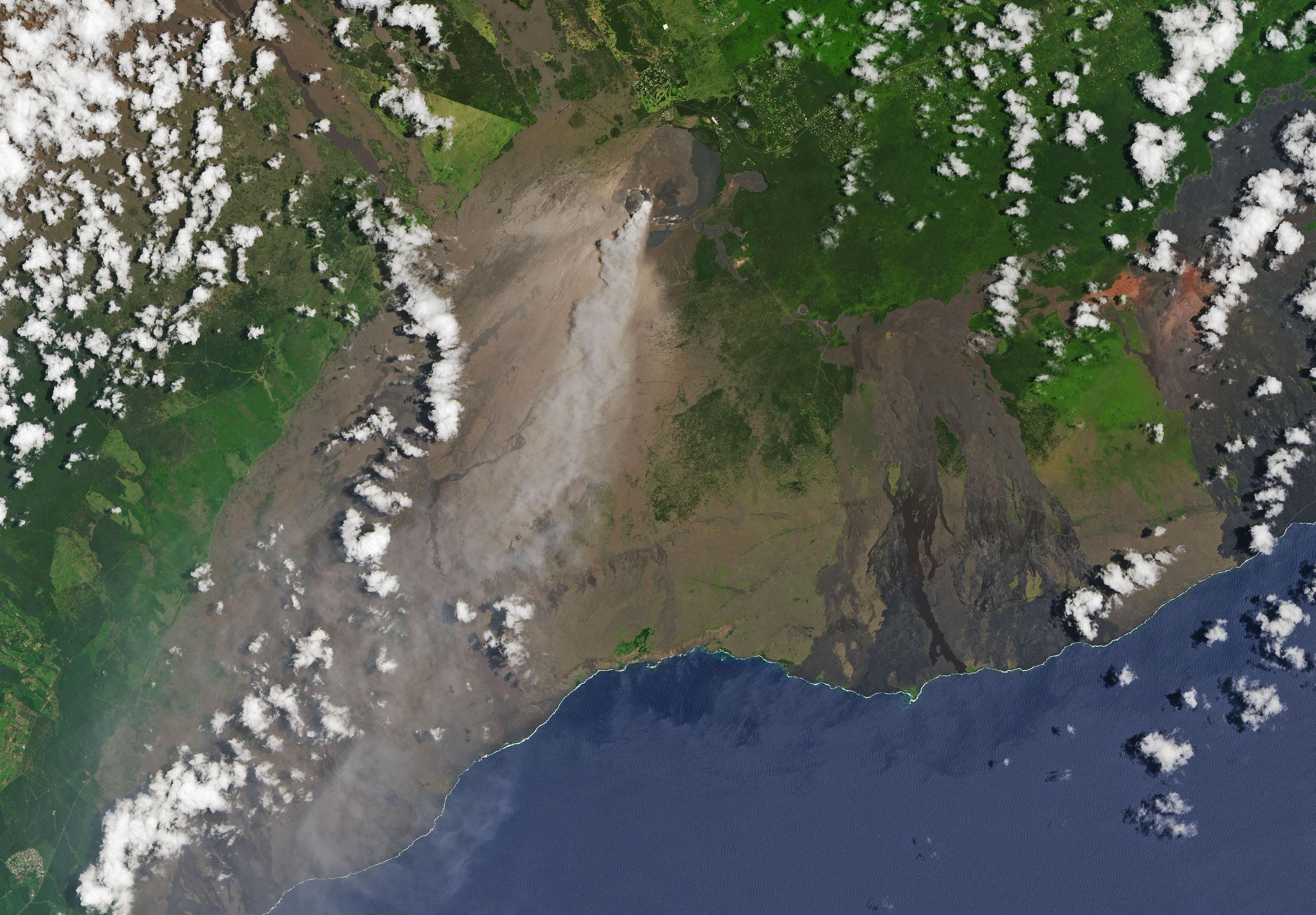 Today's Image of the Day comes from the NASA Earth Observatory and features a look at the eruption of the Kilauea volcano as seen from space.