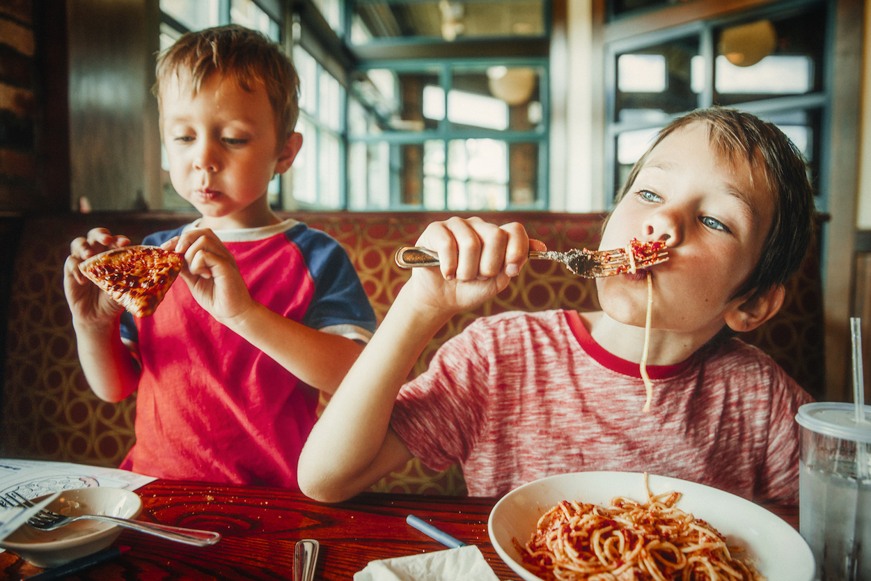 A new survey has found that one in 10 parents has a child who has gotten sick from food poisoning, but the minority of parents are taking simple precautions to protect their children from spoiled or contaminated food.
