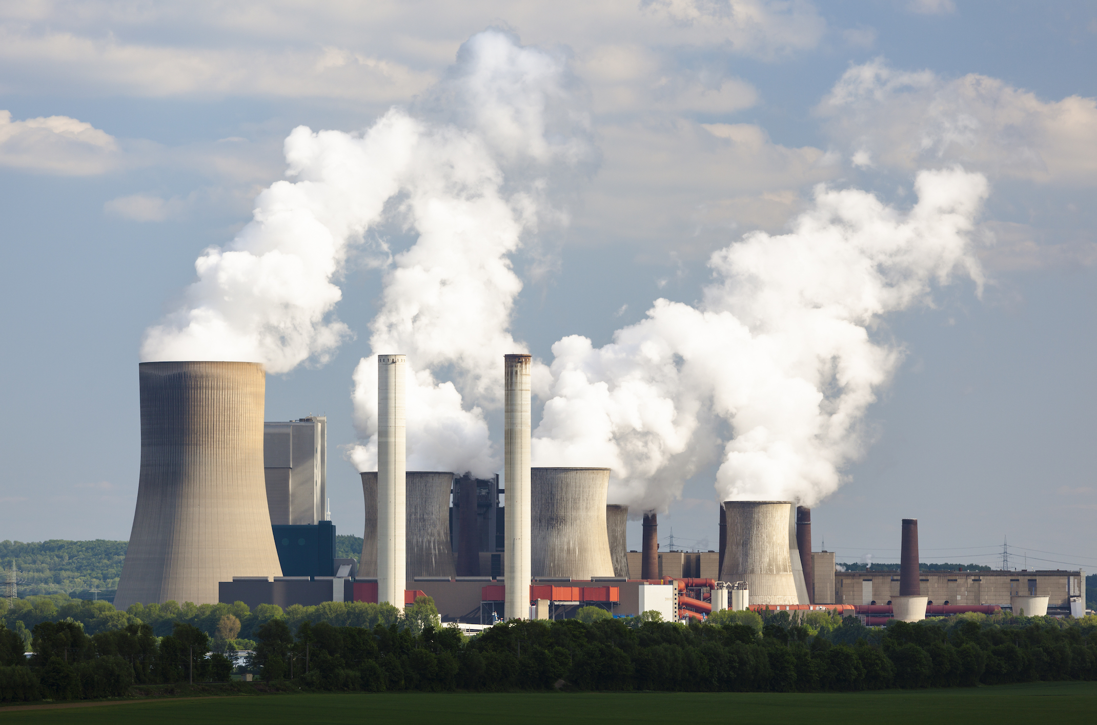 New research shows that closing coal and oil power plants actually improved human health – lowering the rate of preterm births in neighboring communities and boosting fertility.