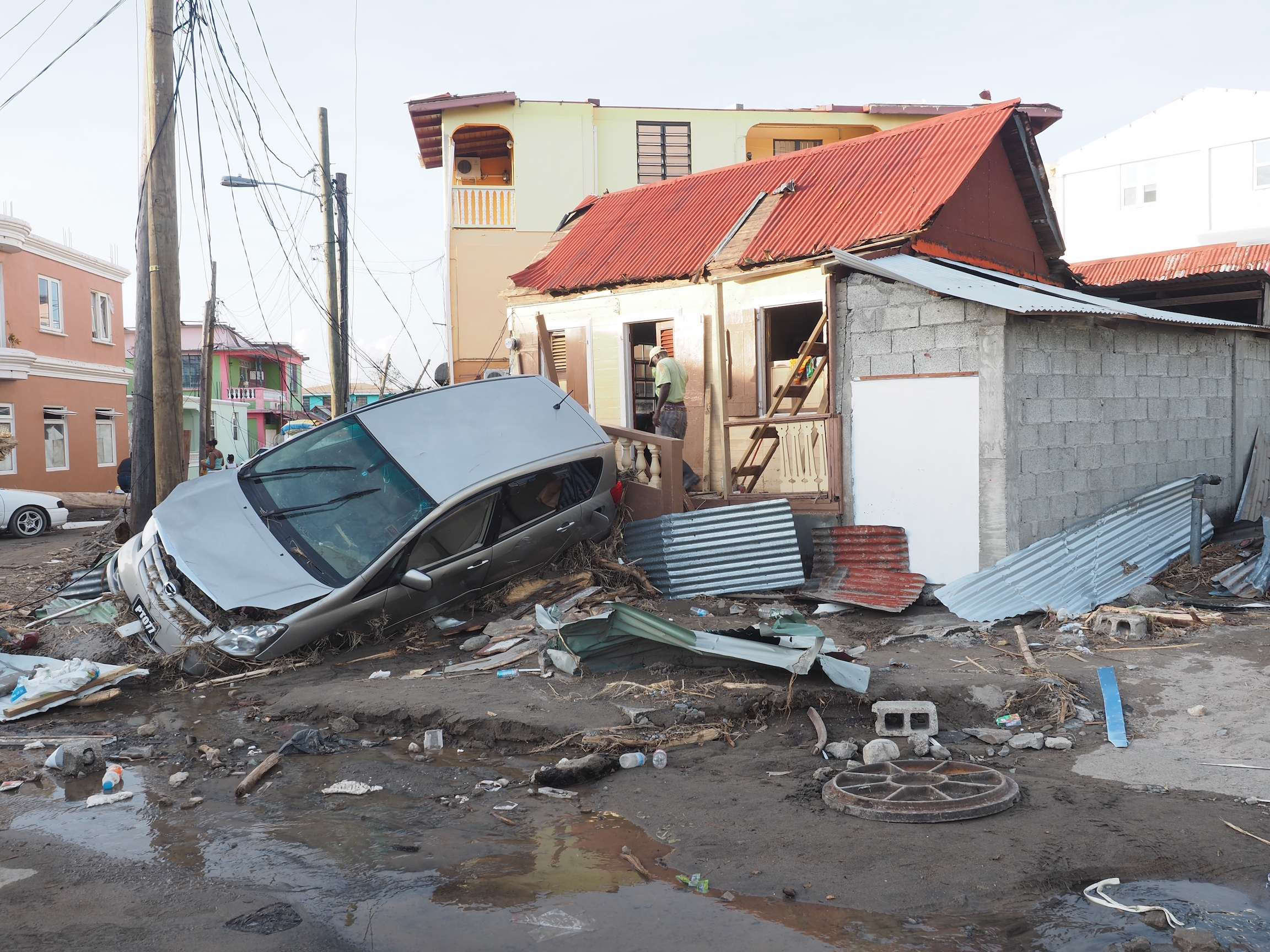 A new study has estimated that around 4,645 people died during the three-month period following Hurricane Maria, and nearly one-third of households surveyed said that reported deaths were caused by a delay in access to medical care.