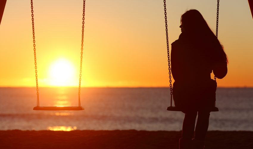 New research has found that loneliness is bad for the heart and overall well-being. Feelings of loneliness were found to be a stronger predictor of premature death than living alone in both men and women.