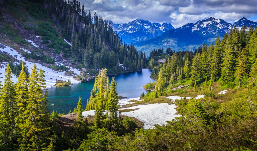 A new study published in Science Advances has found that poor air quality in national parks could be negatively affecting visitation.
