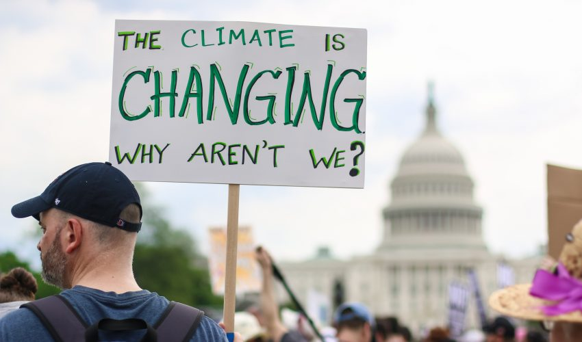Between 2000 and 2016, more than $2 billion were spent on influencing climate legislation in the US Congress.