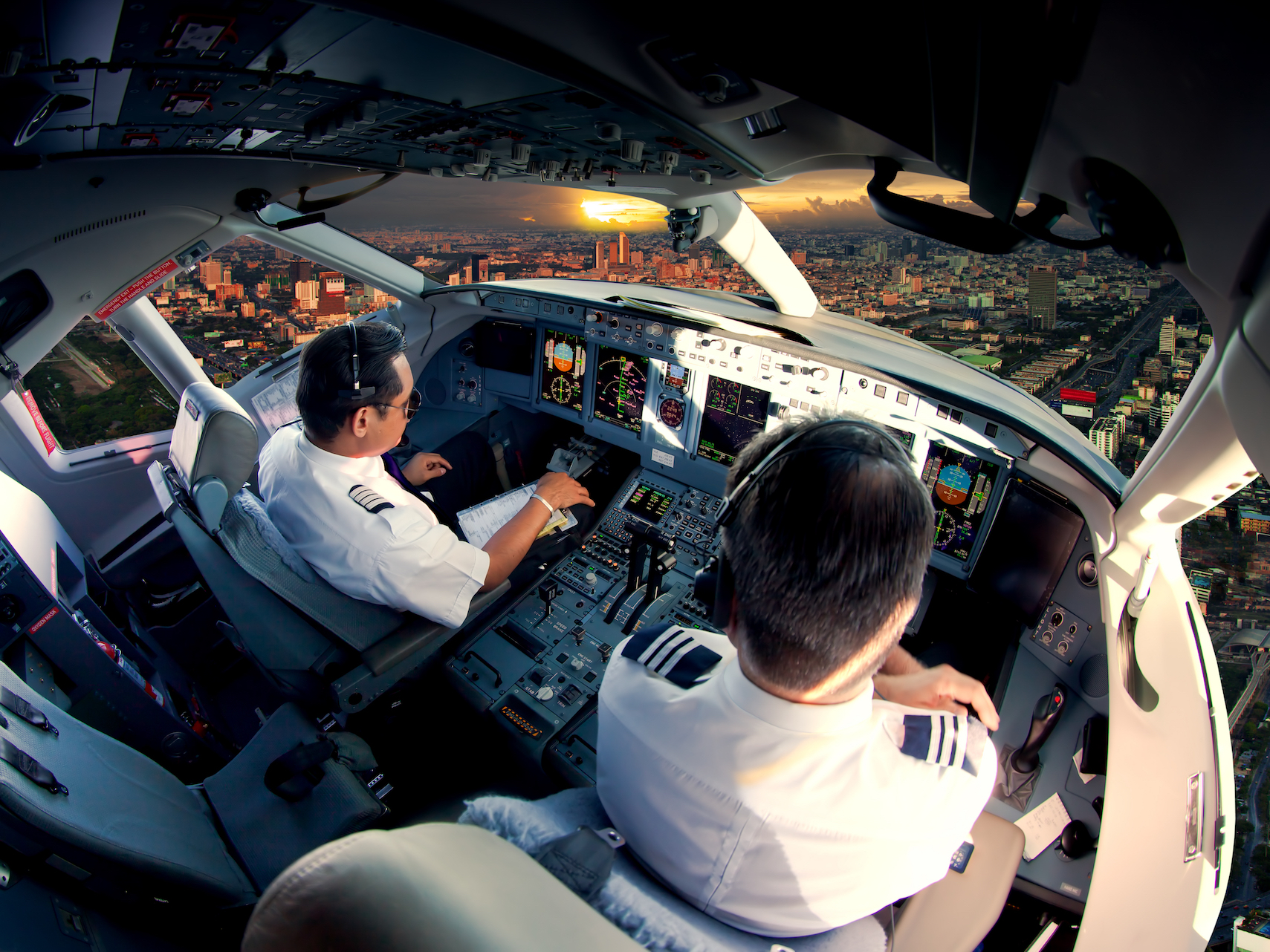 New research from Harvard has found that pilots are directly influenced by carbon dioxide levels on the flight deck.