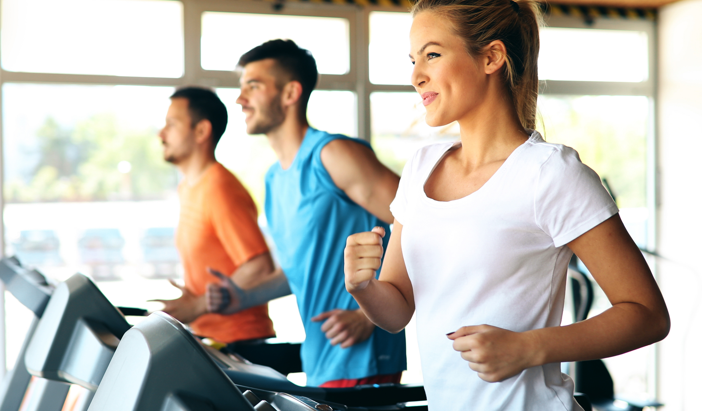 Researchers at the University of Bath have found that eating breakfast before exercise can optimize the benefits of a workout.