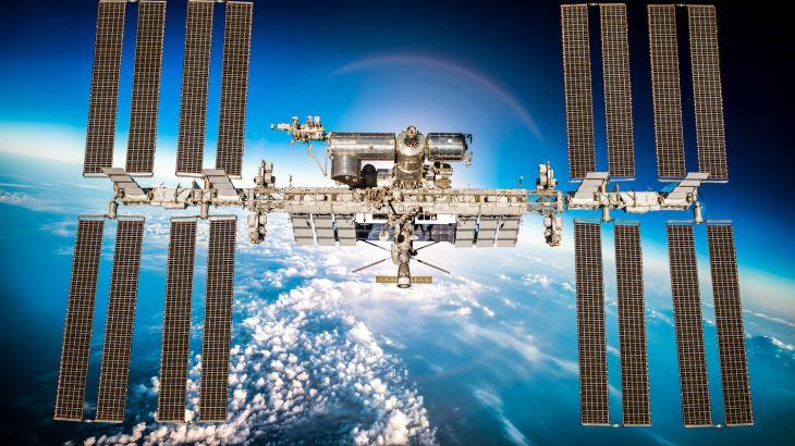 Flight controllers for the International Space Station (ISS) discovered that there was a leak in the Soyuz spacecraft.