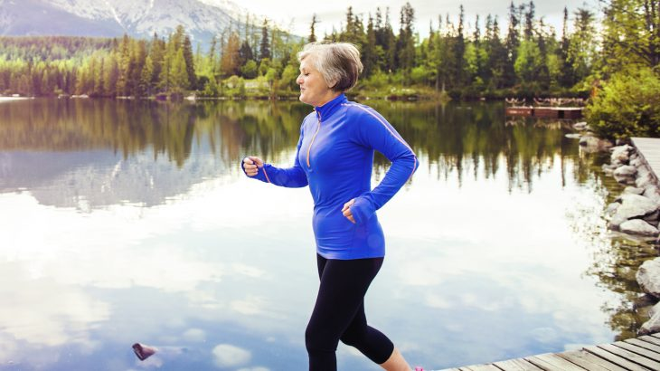 A new study has found for the first time that walking regularly can significantly lower the risk of heart failure in older women.