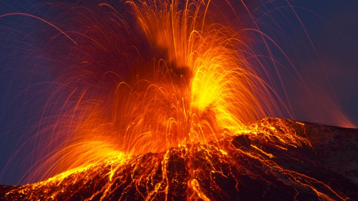 Researchers suggest that volcanoes are fed by mush reservoirs made up of crystals with small magma pockets.