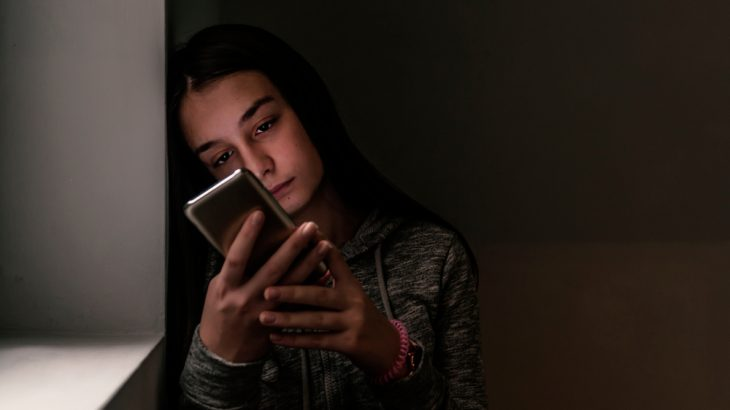 A new study found teen girls are more likely to show symptoms of depression than boys, and social media seems to be the culprit.