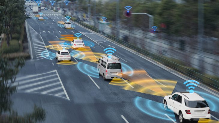 Self-driving cars could snarl city traffic, a new analysis suggests.