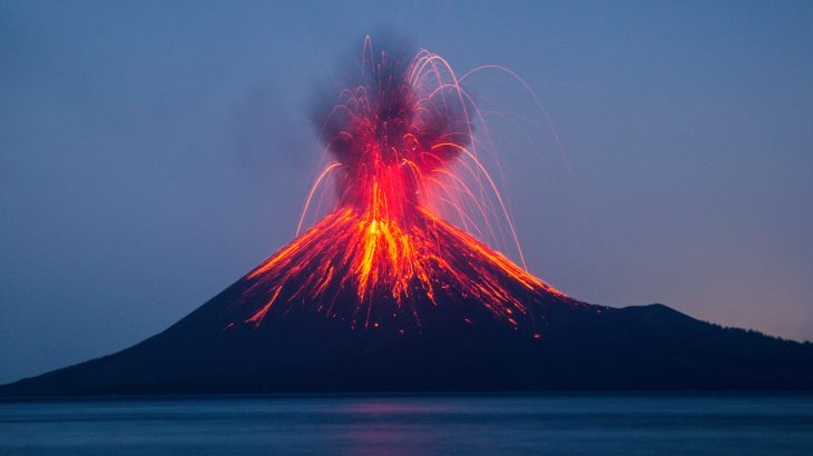 Model simulations have revealed that there are 40 volcanoes worldwide that have the potential to initiate a deadly tsunami comparable to the one triggered by the eruption of Anak Krakatau.
