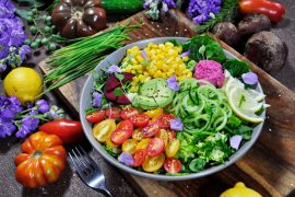 A new study has found that plant-based diets are associated with a much lower risk of heart failure compared to diets filled with fried foods and sweetened drinks.