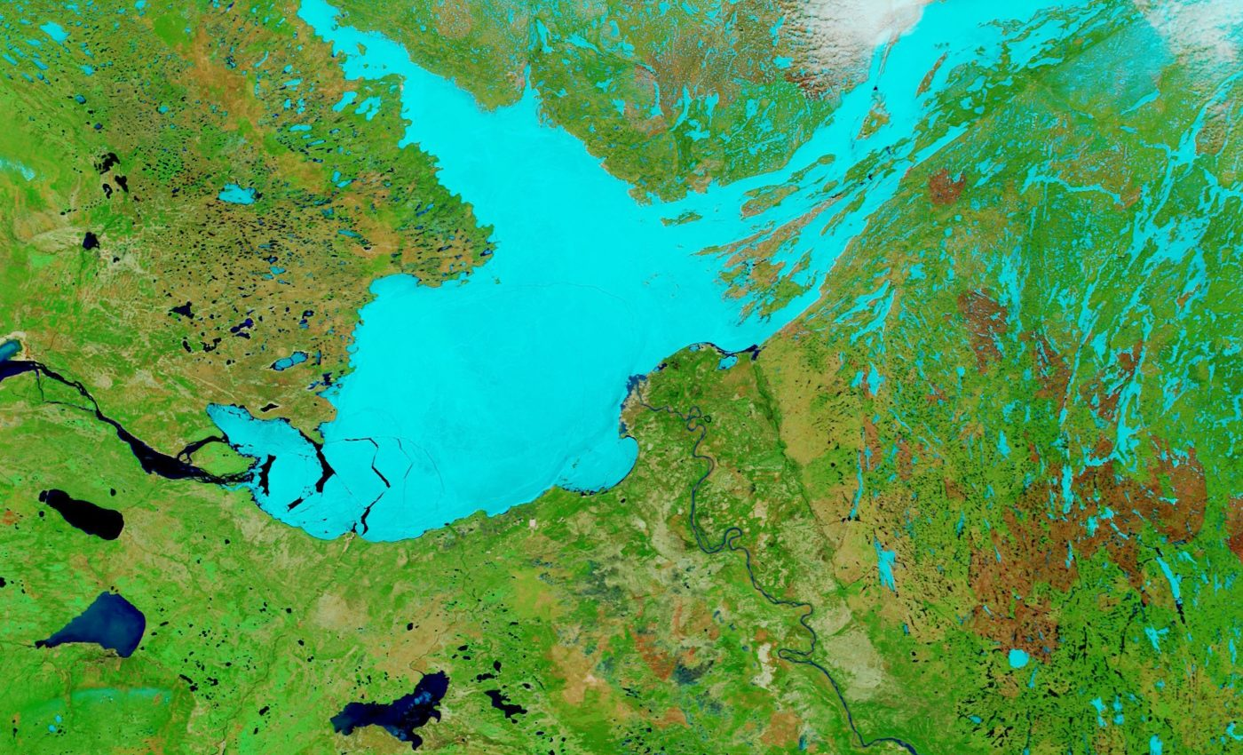 Today's Image of the Day from NASA Earth Observatory features a lake in Canada known as the Great Slave Lake.