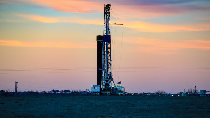 A new study led by scientists at the Chinese Academy of Sciences suggests that CO2 is a better hydraulic fracturing fluid than water.