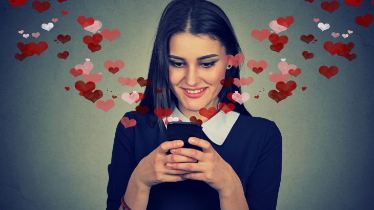 Dating app usage may be linked to an increased risk of unhealthy weight control practices such as vomiting and diet pill and/or laxative usage.