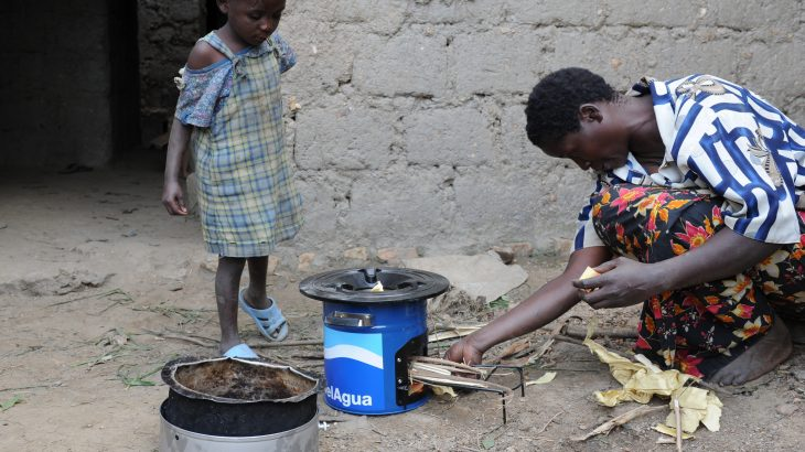 In Rwanda, a project to deliver water filters and portable biomass-burning cookstoves effectively reduced the prevalence of diarrhea and acute respiratory infection in children.