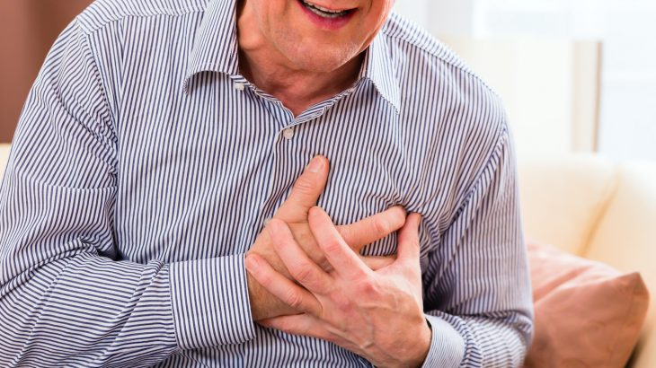 A new study has found that the death rates of men and women living with heart failure differ depending on marital status.