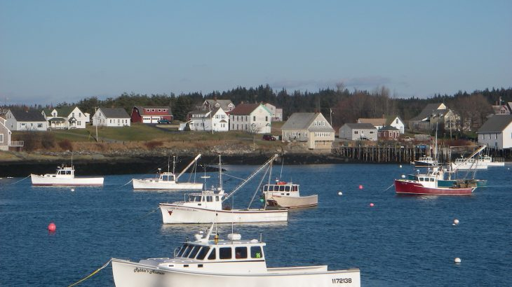 Fishing communities along the eastern coast of the U.S. from North Carolina to Maine will be left with fewer fishing options under changing climate conditions.