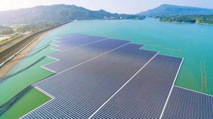 A team of scientists has suggested that a network of millions of floating solar farms could be used to convert atmospheric carbon dioxide into renewable energy.