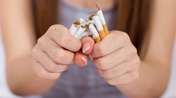 According to a new study from the University of East Anglia (UEA), financial rewards help people quit smoking and remain smoke-free in the long term.