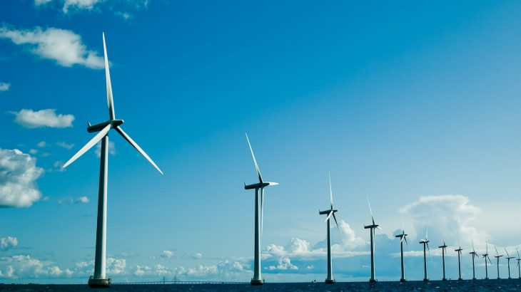 According to an association of European grid operators, using a network of artificial energy islands as wind power hubs in the North Sea is a technically and economically feasible concept.