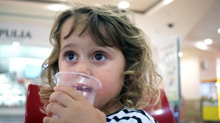 A new study published by the Endocrine Society has revealed that exposure to common chemicals in plastics and canned foods may promote childhood obesity.