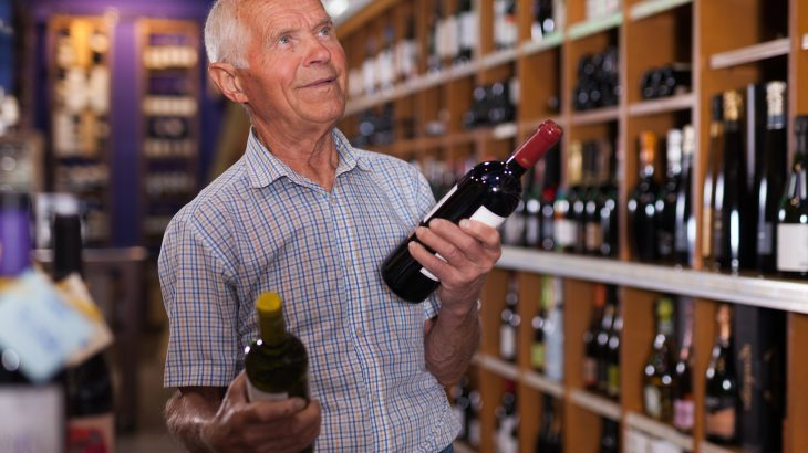 A new study has found that 1 in 10 adults age 65 and older currently binge drink, which puts them at risk for numerous health issues.