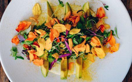 edible flowers, salad