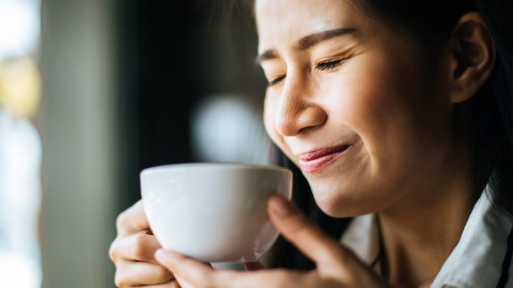 A new study has revealed that too much caffeine can trigger migraine headaches among adults who suffer from episodic migraine.