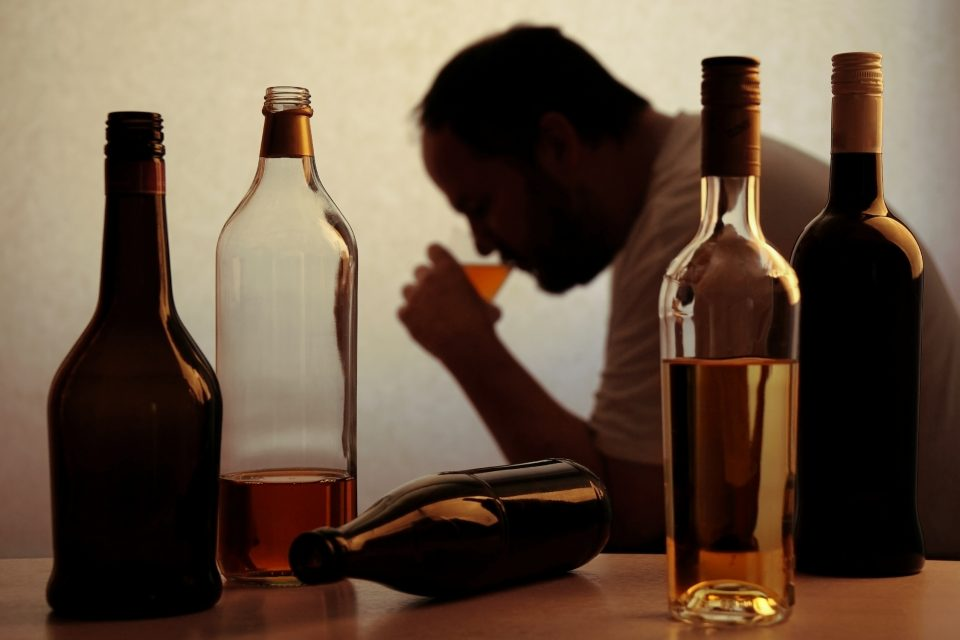 A new study found that in the United States, depression, cannabis use, and alcohol abuse have increased among former smokers.