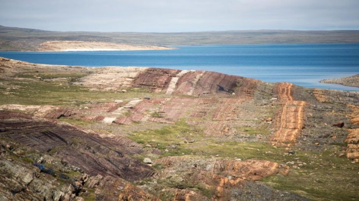 Rocks from the Belcher Islands in Hudson Bay, Canada, have offered a glimpse into a mass dying about 2 billion years ago, when more than 70% of life on Earth vanished. (Credit: Malcolm Hodgskiss, Stanford University)