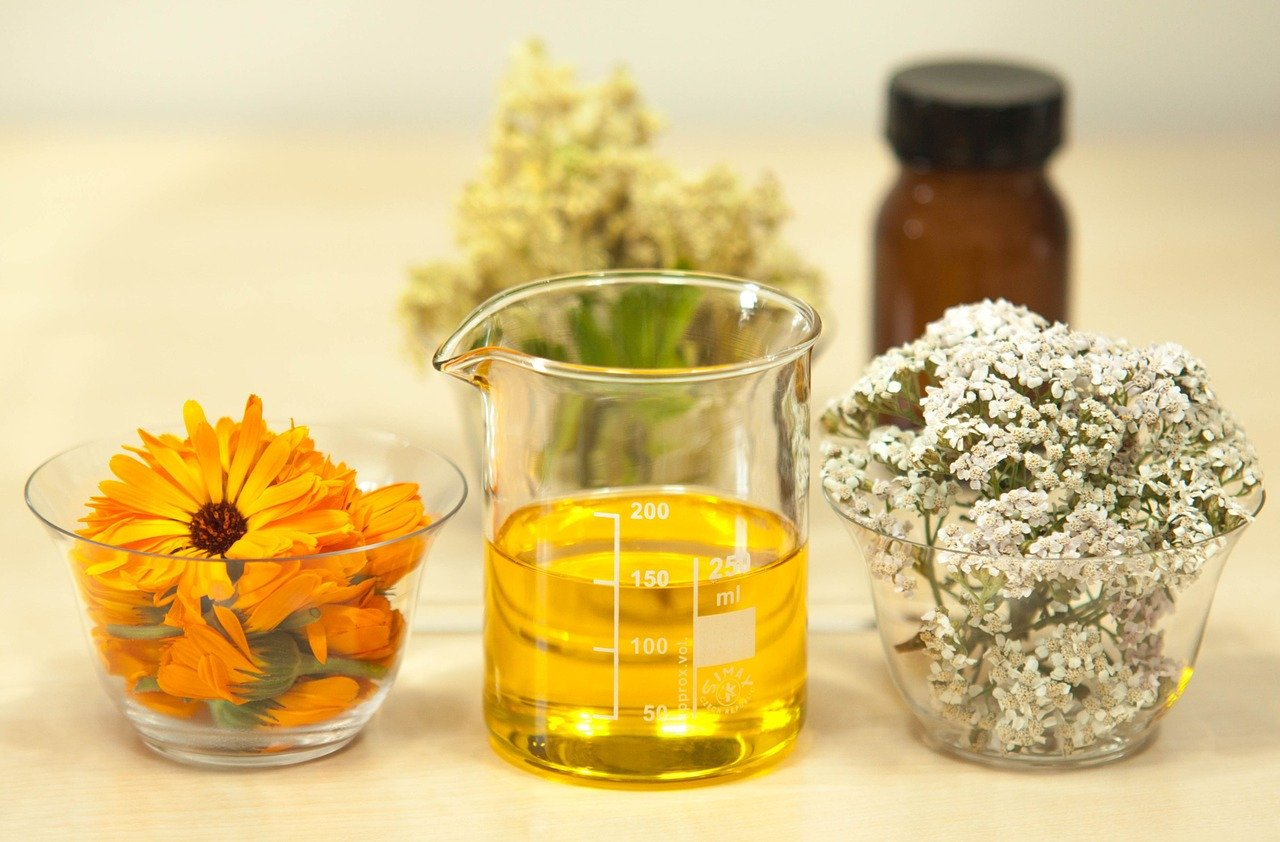 essential yarrow oil, medicine