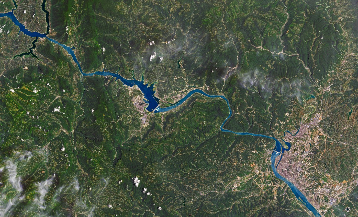 Today's Image of the Day from NASA Earth Observatory features the longest river in Asia, the Yangtze River, which runs across 3,900 miles of China.