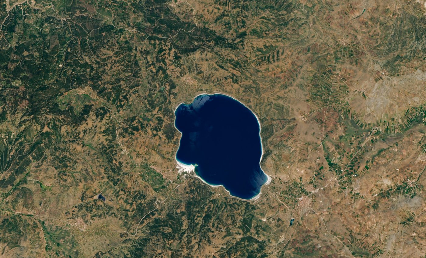Today's Image of the Day from NASA Earth Observatory features Lake Salda in Turkey, which shares many similarities with an ancient lake on Mars.