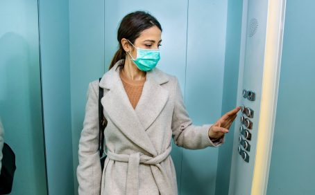 The researchers found that air purifiers in elevators and other confined spaces facilitate the dispersal of saliva droplets, potentially increasing the spread of viruses.