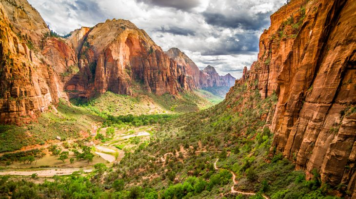 The researchers found that when people are exposed to the sounds of nature in national parks, they experience decreased pain, lower stress, improved mood, and enhanced cognitive performance.